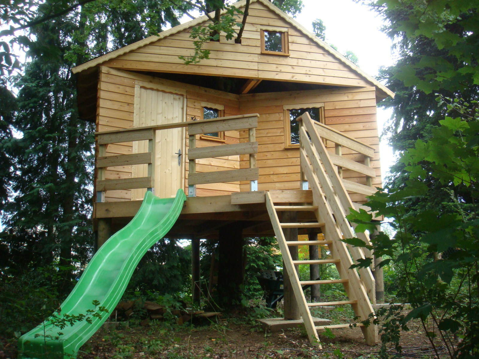Construire sa cabane sur pilotis