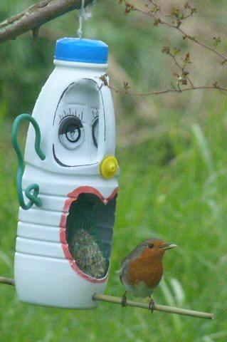 Cabane oiseau bouteille