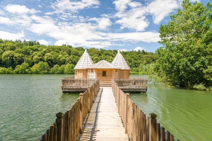 Cabane sur l'eau en bourgogne
