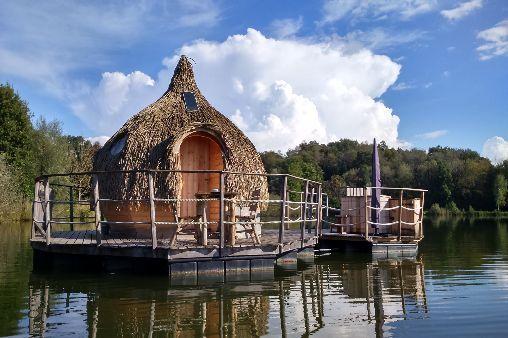 Cabane sur l'eau en franche comté