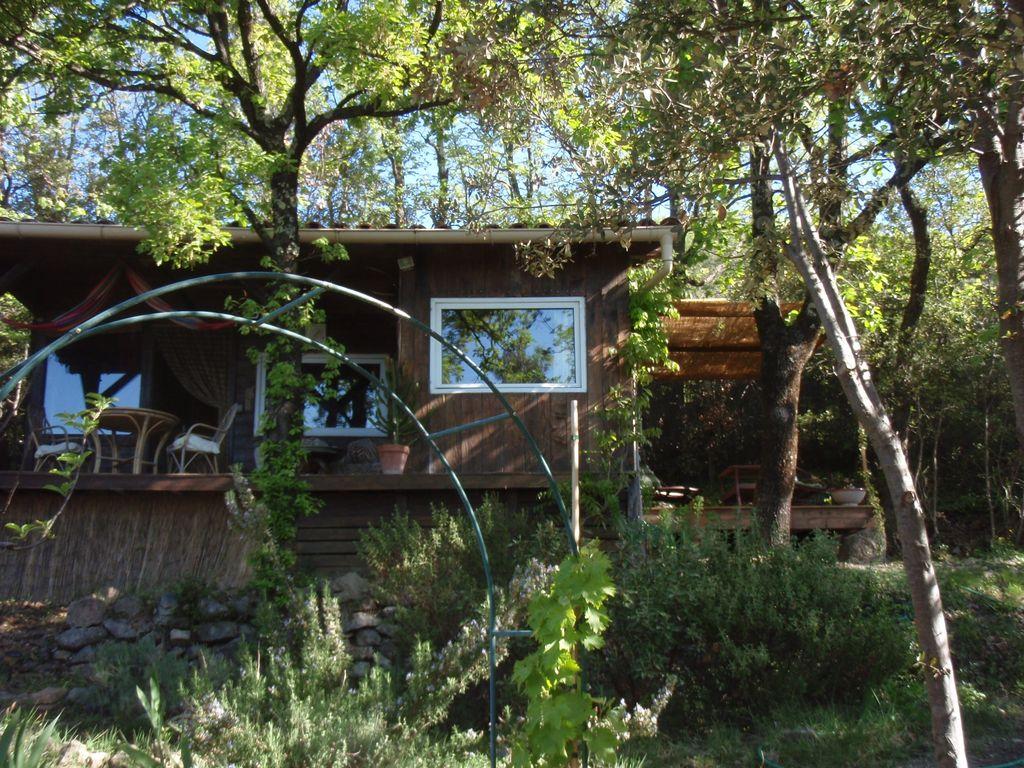 Cabane dans les arbres uzes