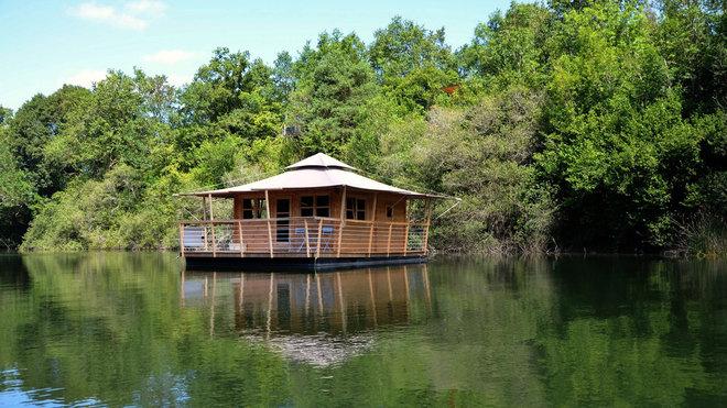 Cabane sur l'eau en vendée