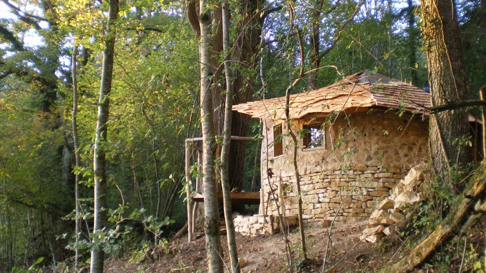 Cabane bois nature et decouverte