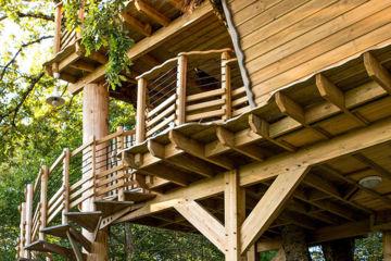 Cabane dans les bois vitrac