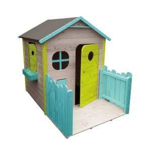 Cabane en bois ou plastique