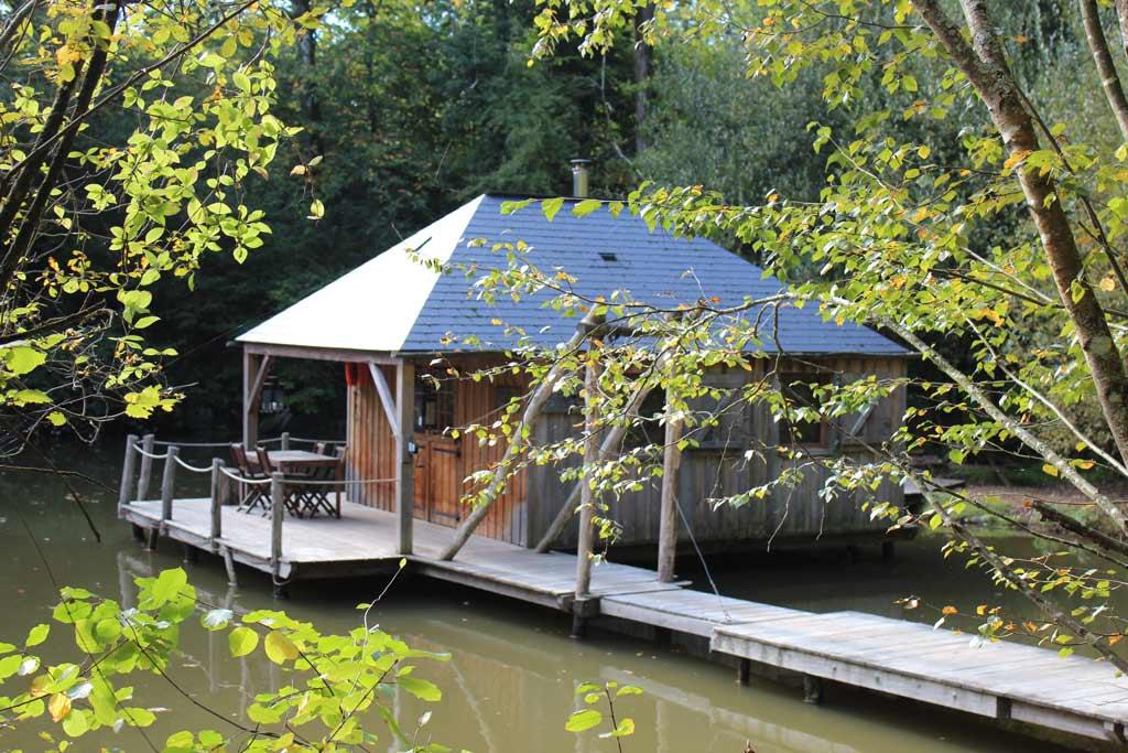 Cabane sur l'eau en mayenne