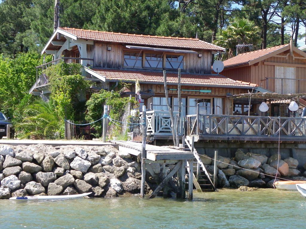Cabane sur l'eau en gironde