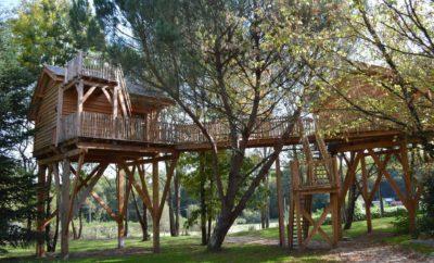 Cabane dans les bois en aquitaine