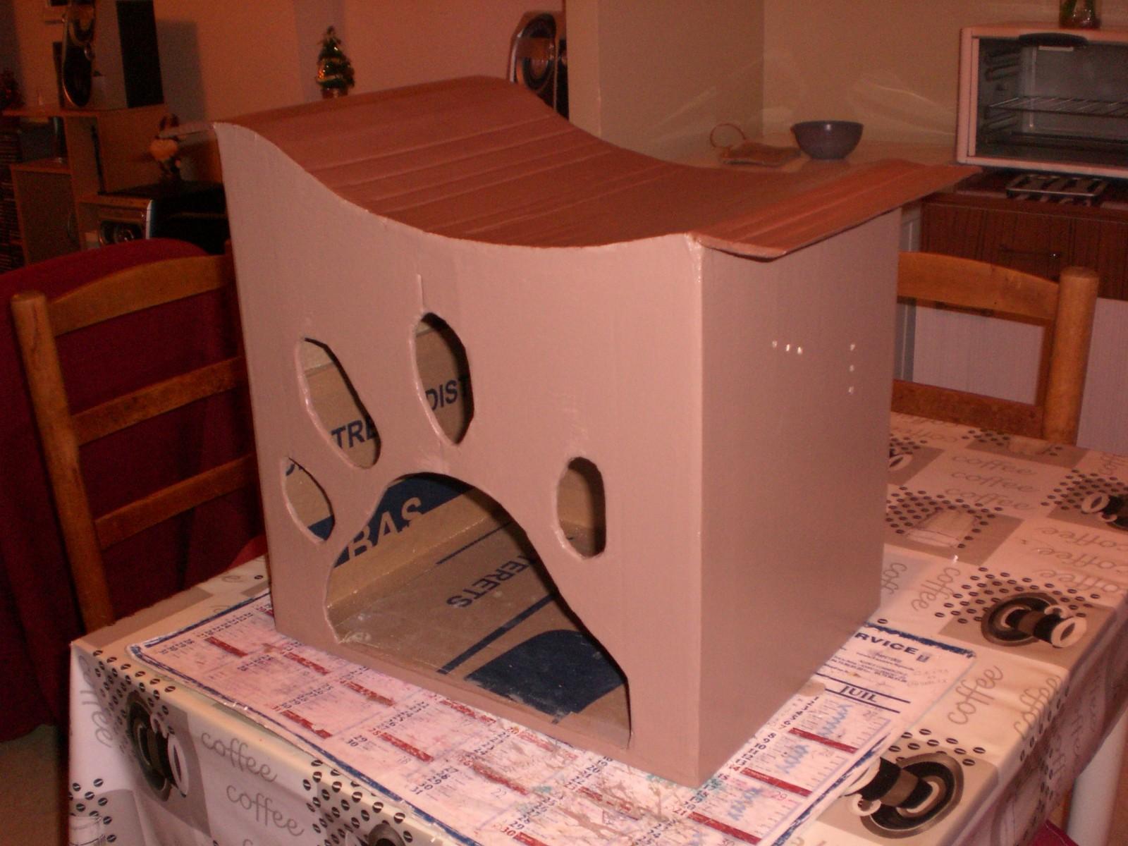 Cabane pour chat en papier