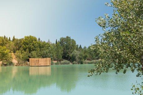 Cabane sur l'eau region paca