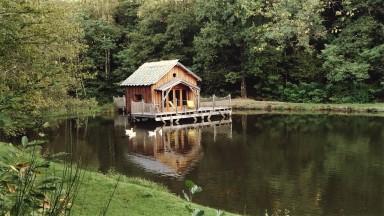 Location de cabane au bord de l'eau