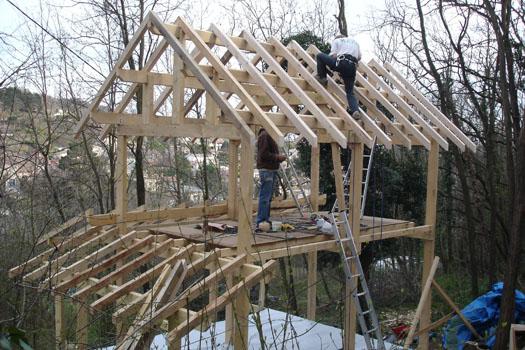 Cabane en bois hexagonale