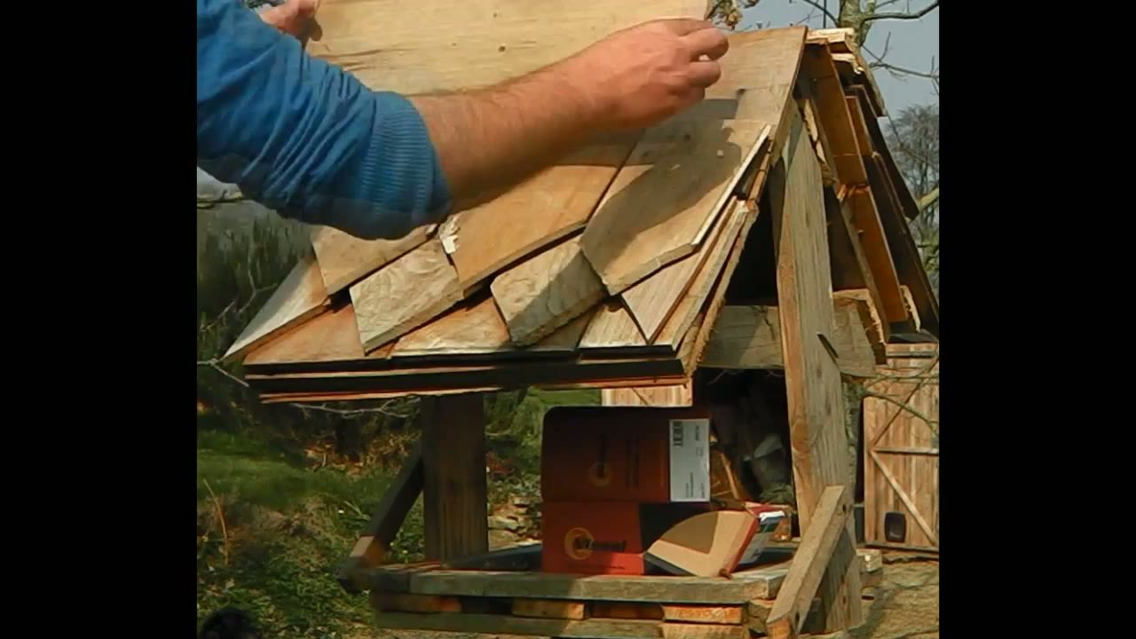 Cabane oiseau tourterelle jardin - Fabriquer mangeoire pour oiseaux du jardin ...