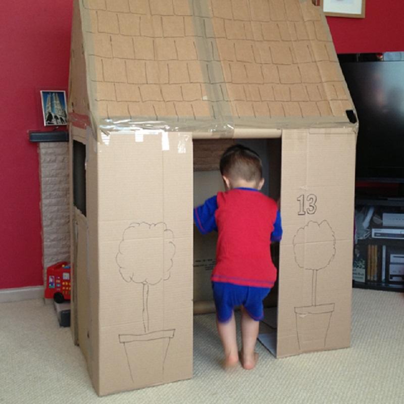 Fabriquer sa cabane en carton
