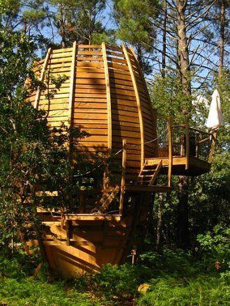 Cabane dans les arbres dans les landes