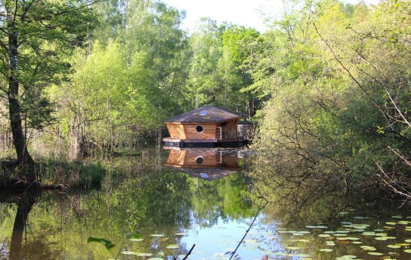 Hebergement cabane sur l'eau