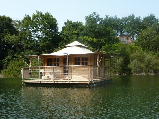 Cabane sur l'eau louverné