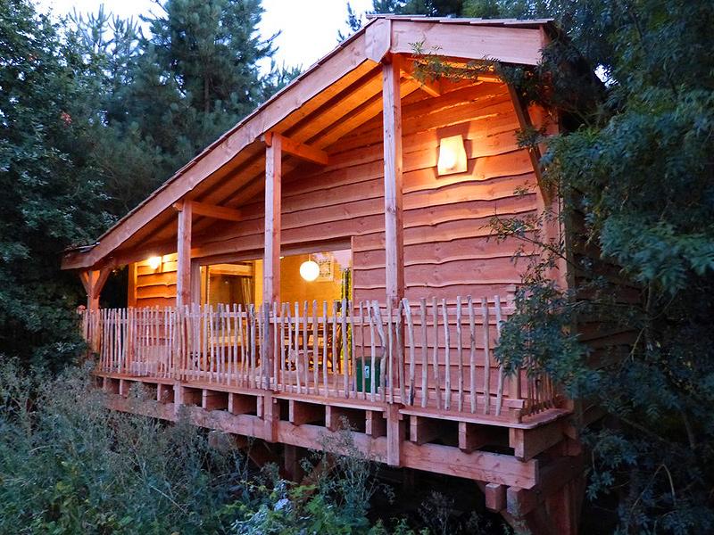 Cabane dans les bois haute loire