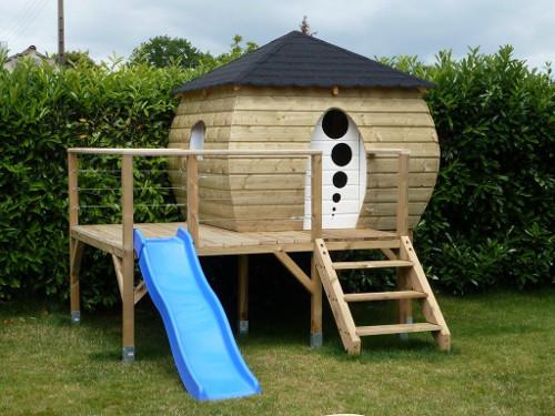 étape construction cabane en bois sur pilotis