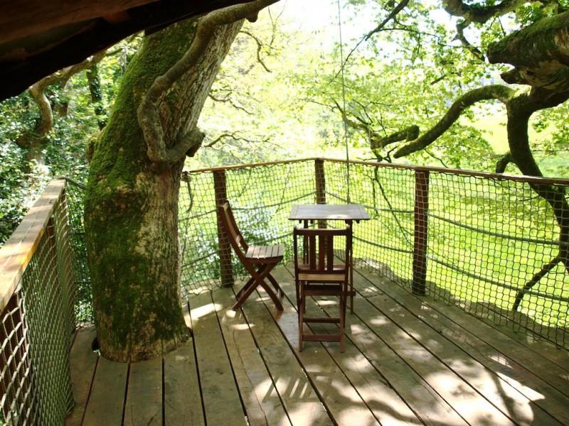 Cabane dans les arbres château de kermenguy