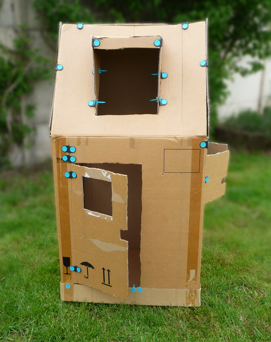 Fabriquer une cabane en carton pliable