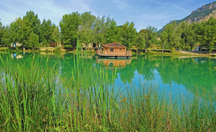 Chatillon en diois cabane sur l'eau