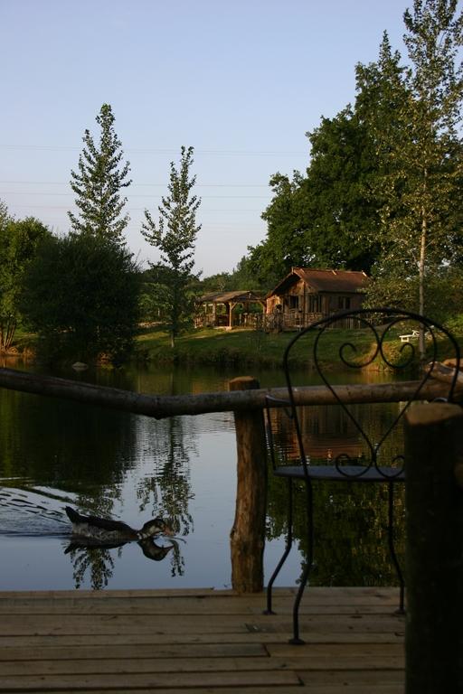 Cabane sur l'eau dans le cher