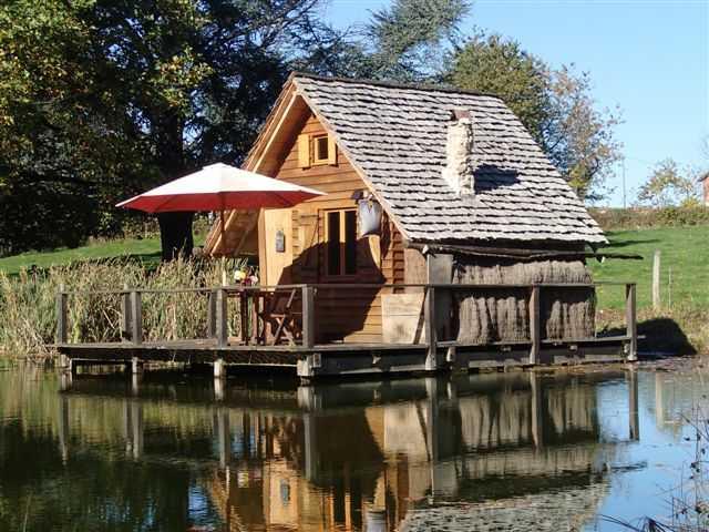 Cabane sur l'eau allier