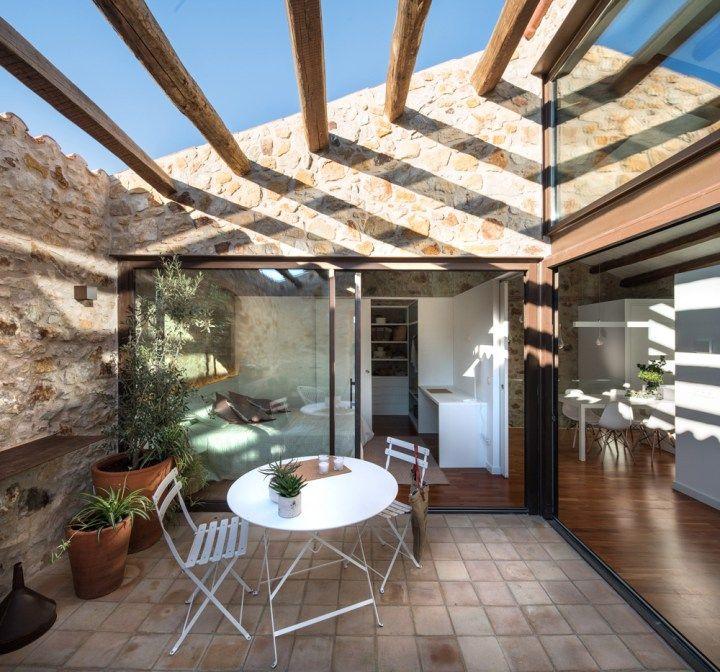 Salon jardin la casa del tejado