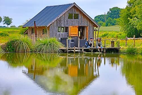 Cabane au bord de l'eau ile de france