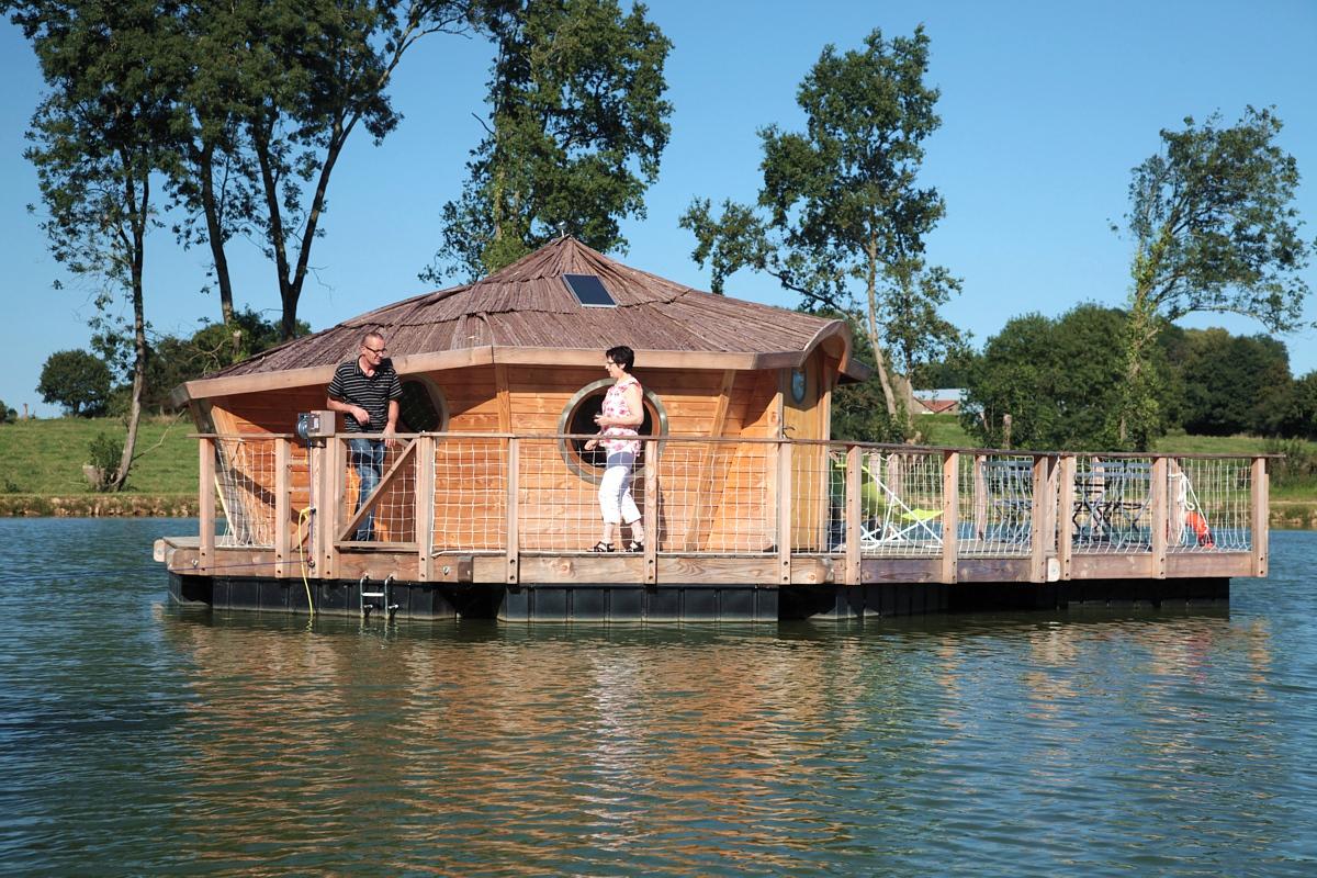 Cabane au bord de l'eau 51