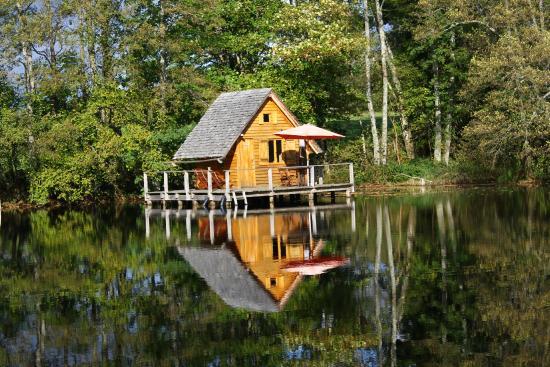 Cabane au bord de l'eau bourgogne