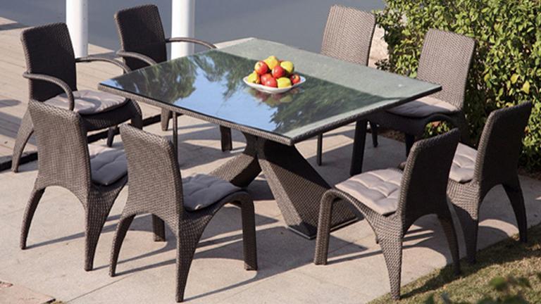 Ensemble chaise et table de jardin