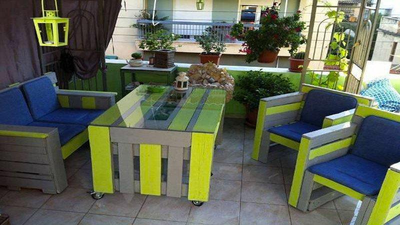 Salon de jardin en palette pour balcon