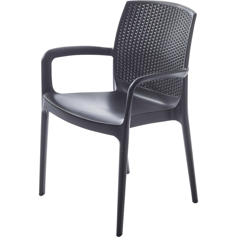 Chaise de jardin tressée