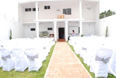 Salon y jardin casa blanca