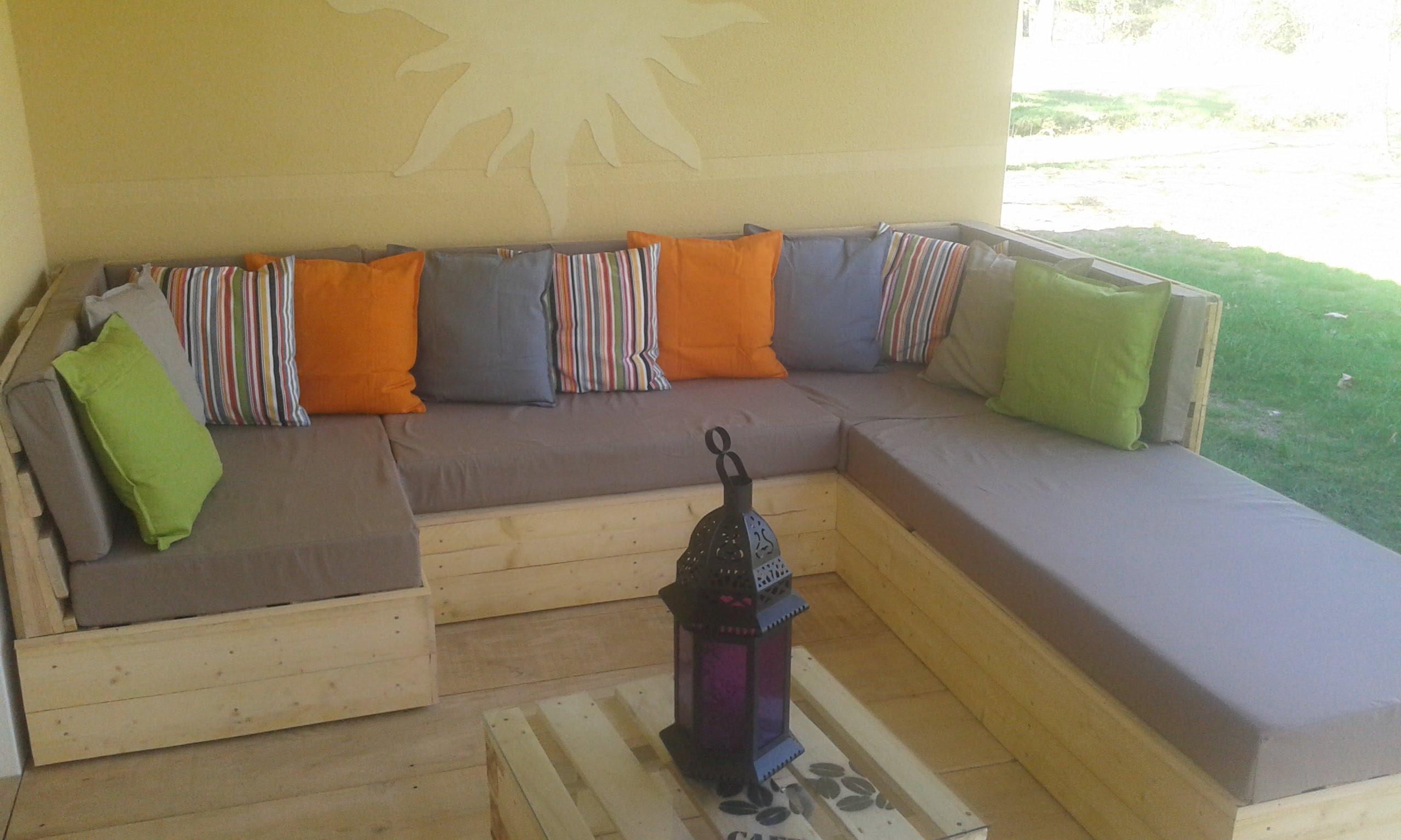 Salon de jardin en palette en u