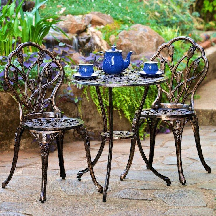 Salon de jardin en pierre et fer forge