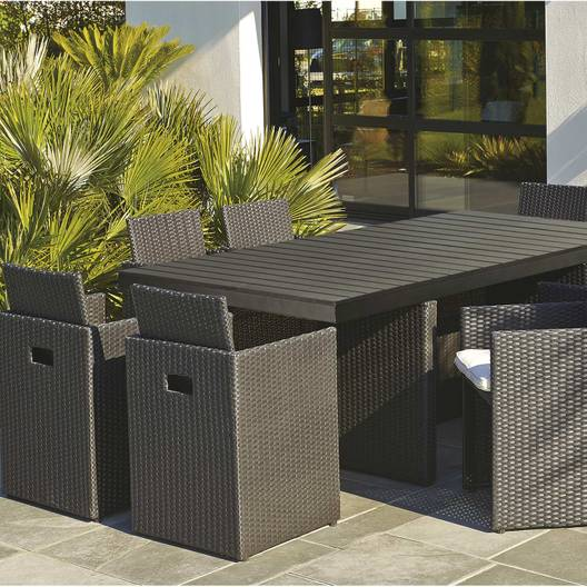 Table exterieur resine tressee