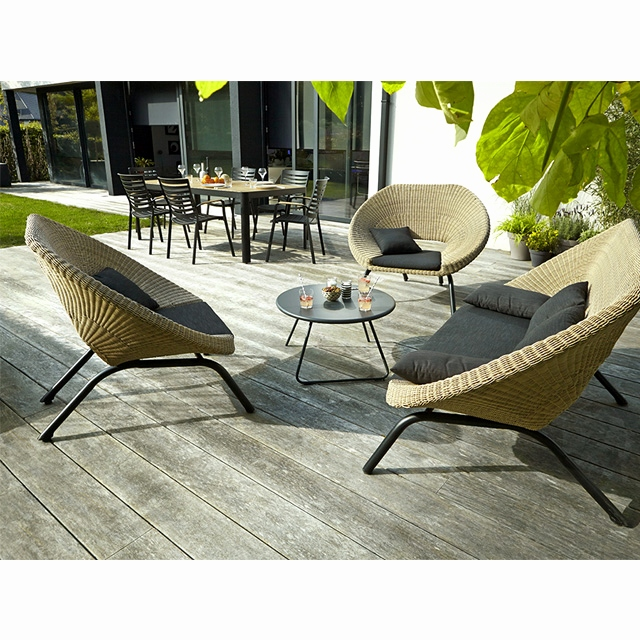 Table jardin rotin