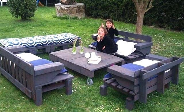 Salon de jardin avec des palette - Mailleraye.fr jardin