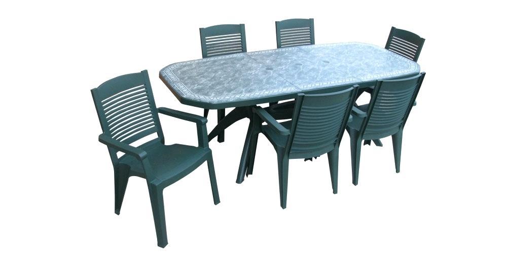 Table de salon de jardin en plastique pas cher