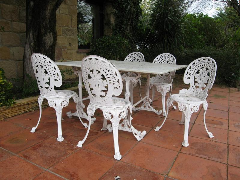 Salon De Jardin Type Bistrot Mailleraye Fr Jardin
