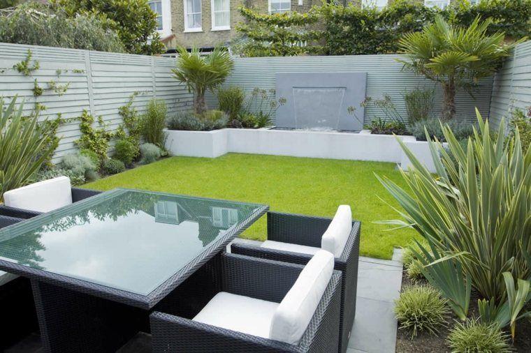 Petit salon de jardin moderne