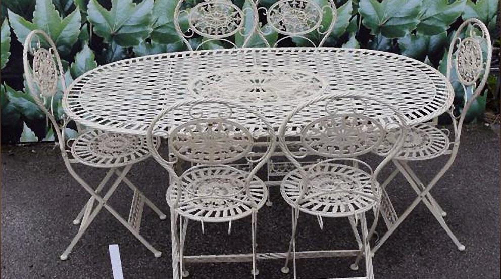 Chaise de salon de jardin en fer