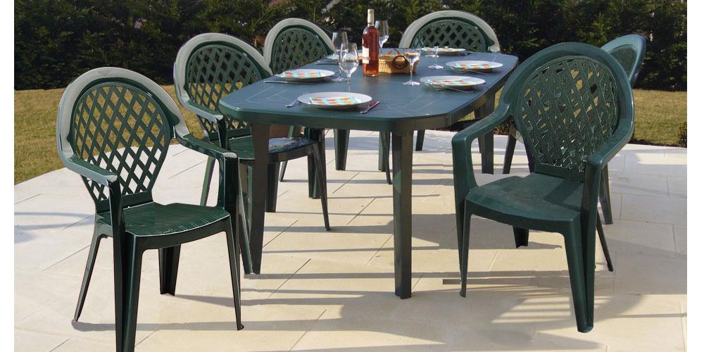 Table de salon de jardin en plastique vert