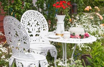 Restaurer un salon de jardin en fer forgé