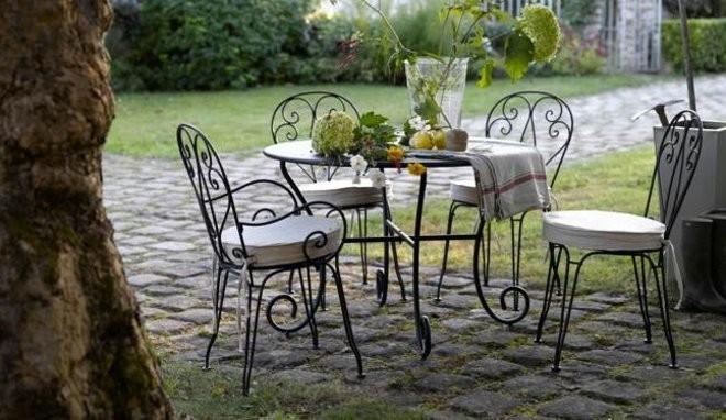 Salon de jardin en fer coloré - Mailleraye.fr jardin