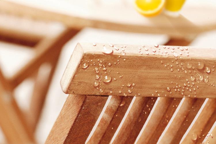 Comment renover son salon de jardin en bois