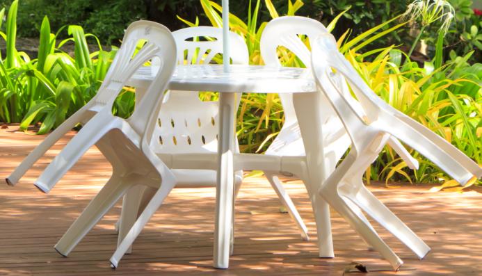 Salon de jardin en plastique de couleur - Mailleraye.fr jardin